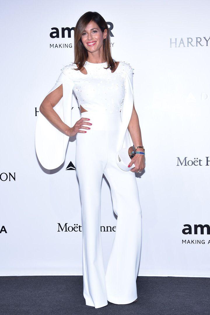 Descubre a los personajes que no se quisieron perder la gala amfAR Milán. Ficha los mejores estilismos de la noche. No te los pierdas.