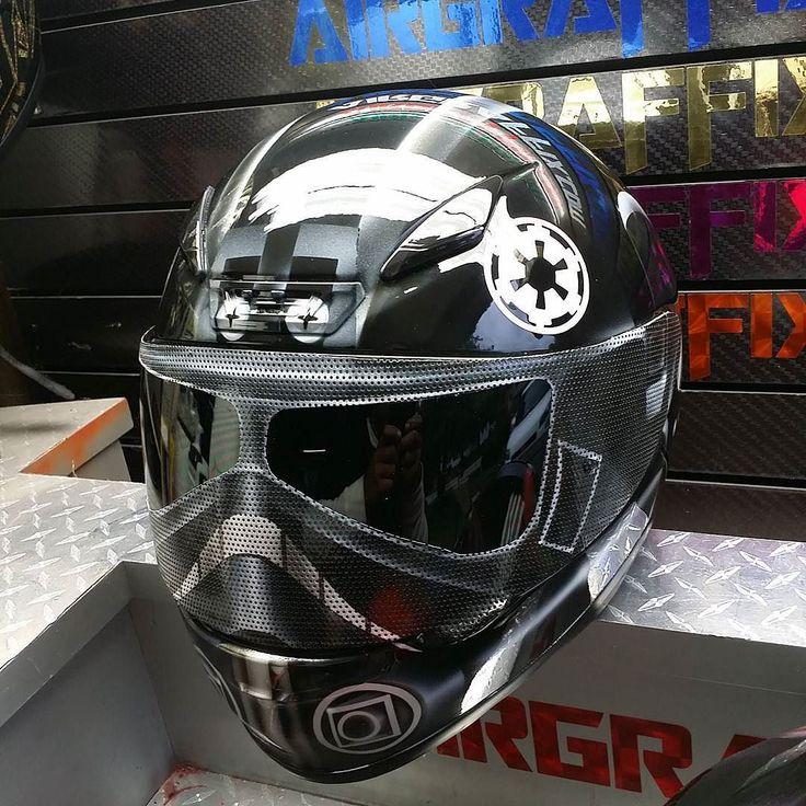 Custom Airbrushed Motorcycle Helmet by Airgraffix.com 238