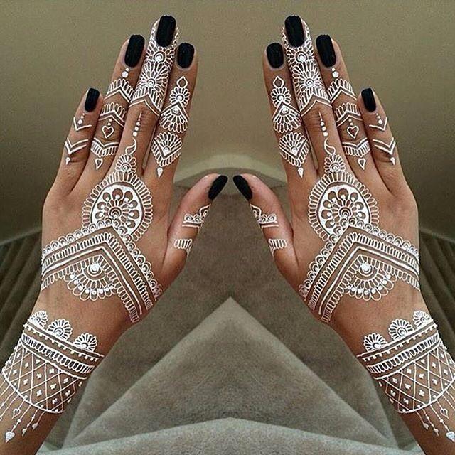 #mehendi #whitehenna #hennatattoo #hands