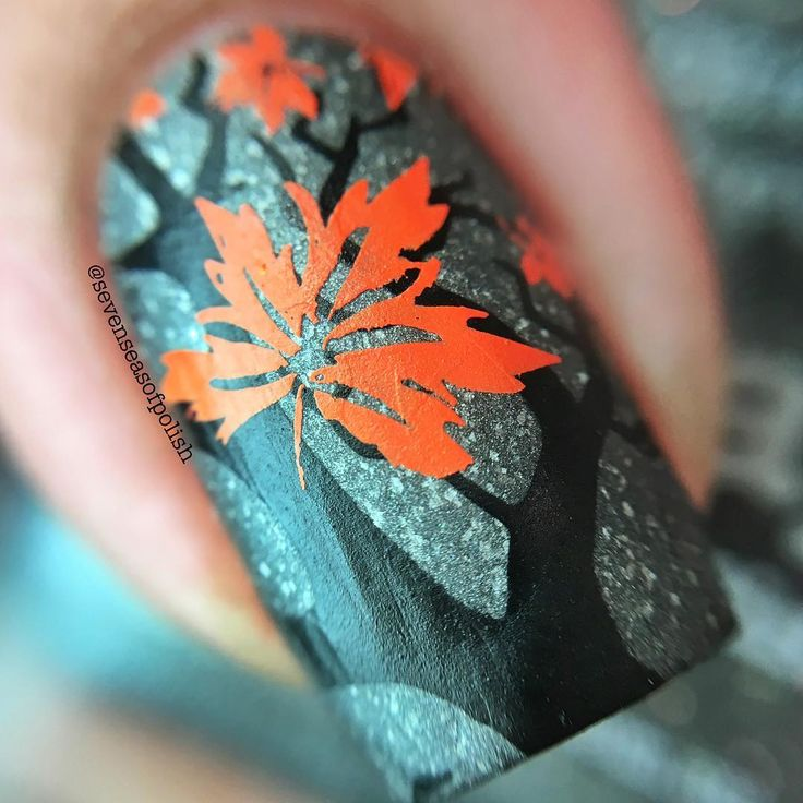 @picturepolish Mishap with a matte top coat is just a rainy autumn day in a bottle. 🍂🌂 Perfect base for this bare tree & autumn leaves mani. 💕