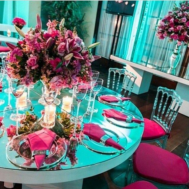 <h5>Decoração azul e rosa. Fonte: Intagram: @giovana_voig</h5>