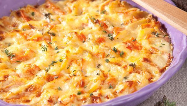 Kartoffel-Kürbis-Gratin (hat uns am besten mit Butternut Kürbis geschmeckt, weil süßlich schmeckt nach dem Garen/Backen)
