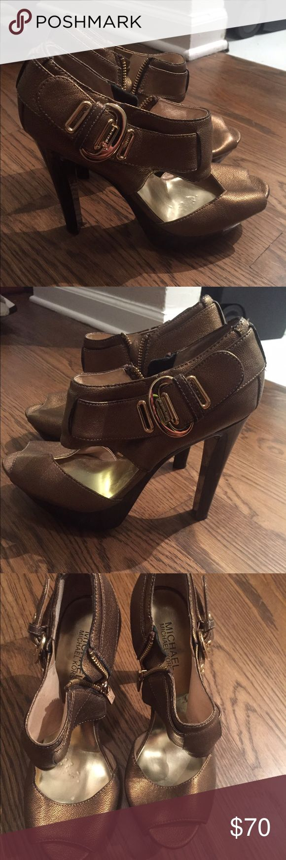 Gold Michael kors heels! Barely worn size 7 Gold michael kors heels great for any occasion barely worn size 7 Michael Kors Shoes Heels