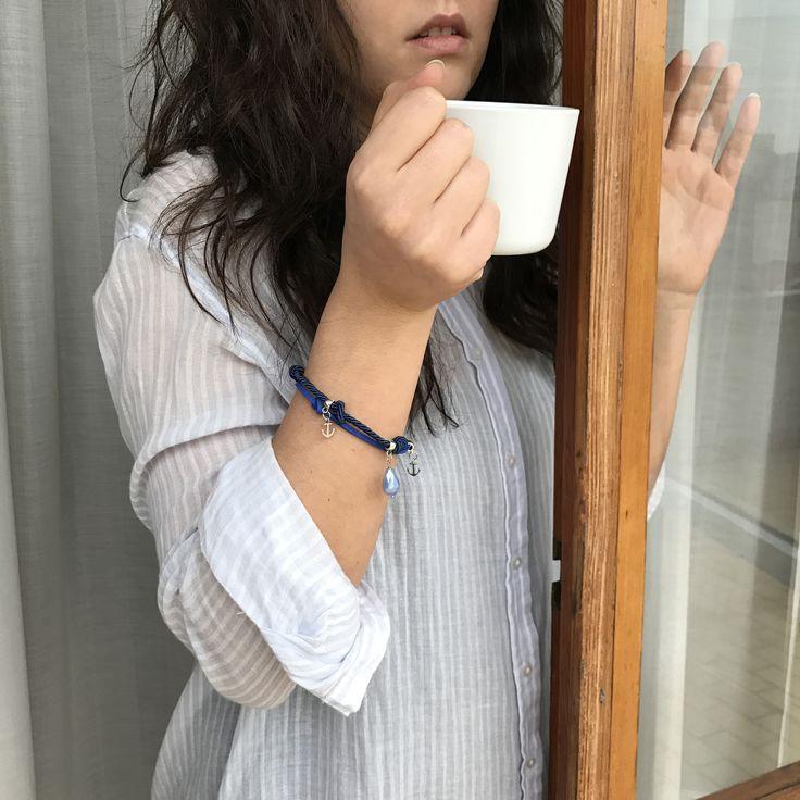 bracciale doppio cordoncino blu con charms e ancore : Braccialetti di ibcreations