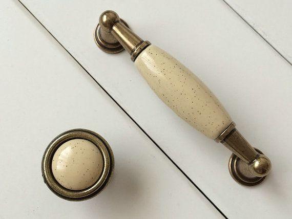 96 mm Creme Messing Antike Möbel Griff Griffe von ARoseRambling