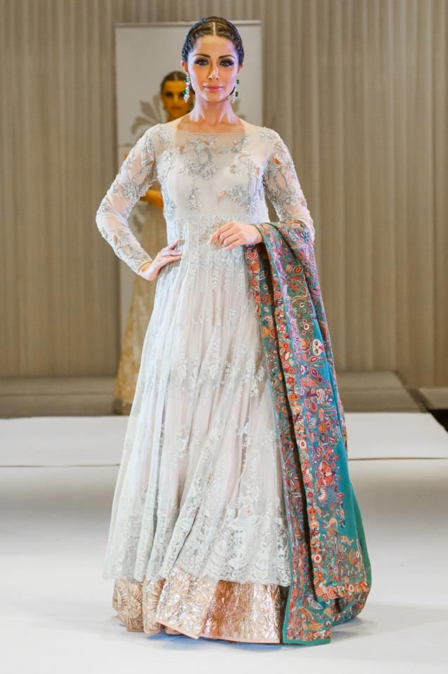 Most Gorgeous Women Wear Collection By Nida Azwer. This collection has showcased in the she magazine 2015. This new Nida Azwer formal wear dresses collection.