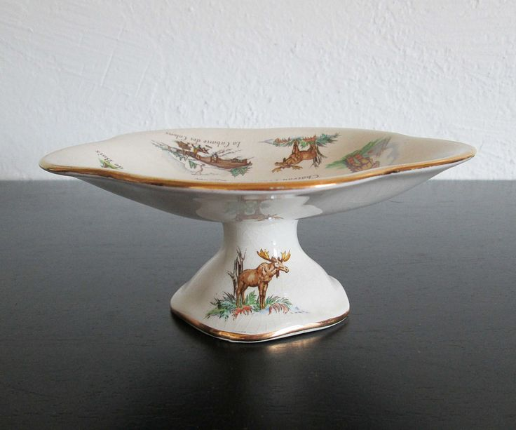 Vintage Souvenir Pedestal Serving Dish Royal Winton Old Canada Pattern 1953 Kitsch by AtomicPutz on Etsy. Vintage Cake PlatesVintage ... : cake serving plates - pezcame.com