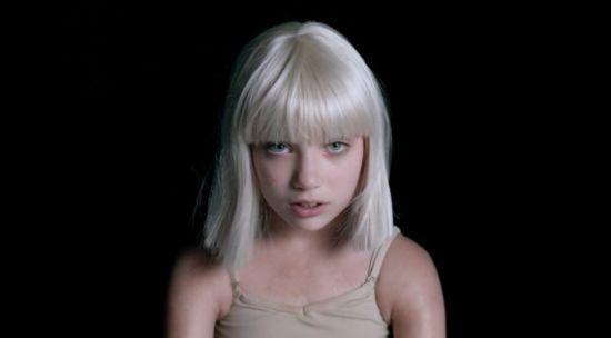 """Veja os bastidores do clipe de """"Big Girls Cry"""", de Sia #Cantora, #Clipe, #Música, #Novo, #NovoSingle, #Single, #Vídeo http://popzone.tv/veja-os-bastidores-do-clipe-de-big-girls-cry-de-sia/"""