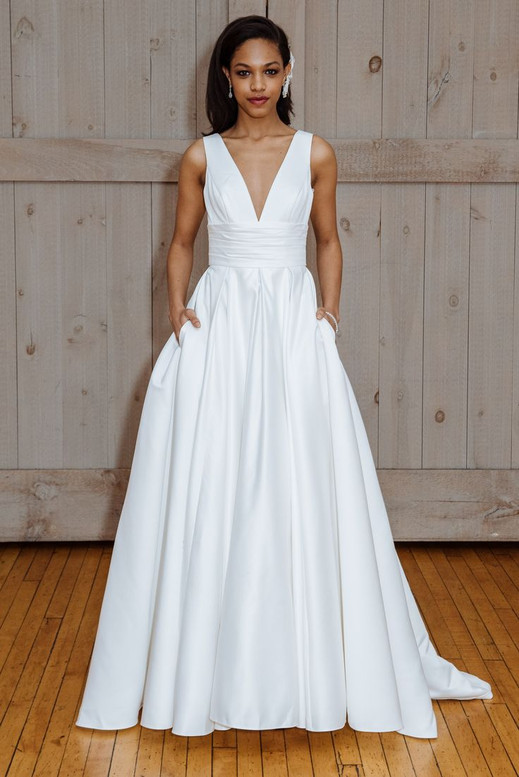 Lisa robertson in wedding dress - 42 Classic Wedding Dresses You Won T Hate 20 Years From Now