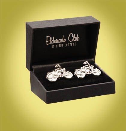 Boutons de manchettes MOTO | HOMME PIN UP ATTITUDE : Vous allez adorer ces boutons de manchettes vintage Moto du Club Eldorado! Cette paire est en plaqué argent et les détails ont été exécutés minutieusement.   http://www.pinupattitude.com/gamme.htm?products_name=Boutons+de%20manchettes%20MOTO_id=15#  #homme #mensapparel #vintage #oldschool #rock #shopping #retro #50s #60s #rockabilly #psychobilly #pinup #manchette #moto