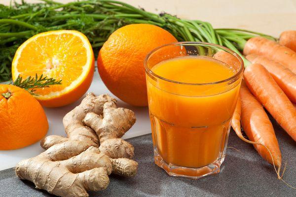 Amikor az immunrendszerről beszélünk elengedhetetlen két vitaminról is beszélni: A- és C-vitamin.Az A-vitamin a fertőzések ellen véd, hiánya ronthatja az immunrendszer ellenálló képességét, ennek következtében nagyobb eséllyel betegedhetünk meg különböző fertőzésekben. A C-vitamin erős antioxidáns, védi a immunsejteket és fokozza az immunrendszer működését. A mostani receptünk a napi szükséges A- és C-vitamin bevitel 100 %-át…