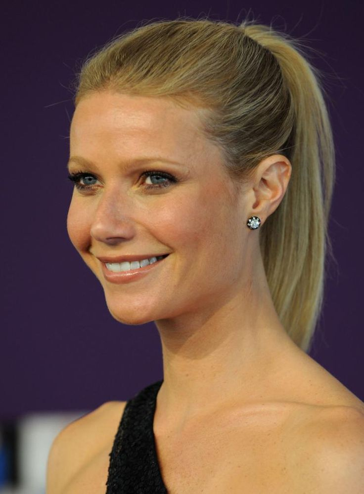 Pictures of celebrities with a ponytail - Hairfinder