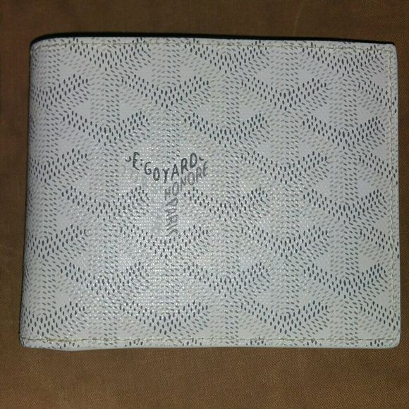 White Goyard Mens Wallet 10/10 Goyard Accessories Key & Card Holders