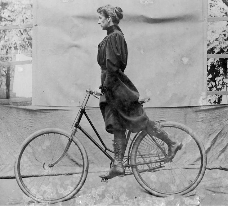 Wheeling | Alice Austen photogapher