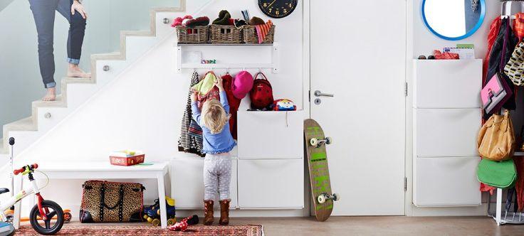 3 tips för dig som har en trång och/eller liten hall.  Inspirerande bilder från IKEA och Elfa
