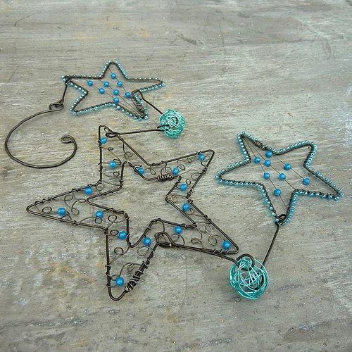 Závěs z modrých hvězdiček