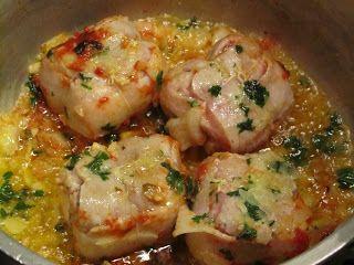 Préparation : 15 min  Cuisson : 30 min   Ingrédients (pour 2 personnes) :  - 4 paupiettes de veau  - 2 oignons  - 2 gousse d'ail  -50 gr pe...