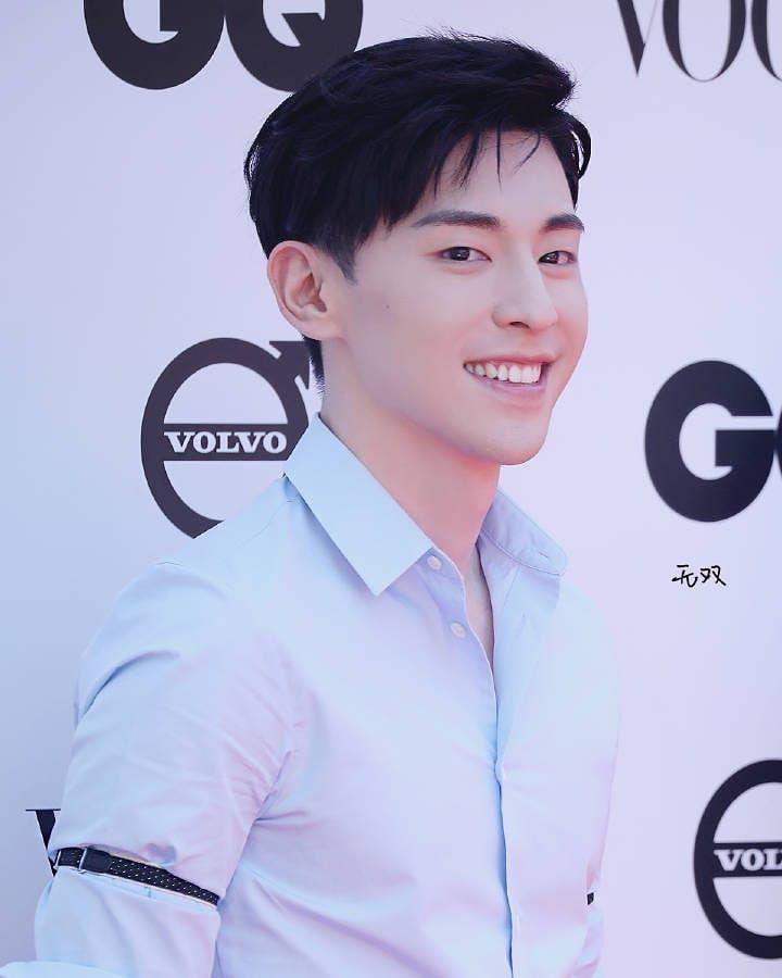 "鄧倫日記 - Allen Deng Intl Diary on Instagram: ""[20190524] GQ Event - Shanghai"" | Lunge. Người nổi tiếng"