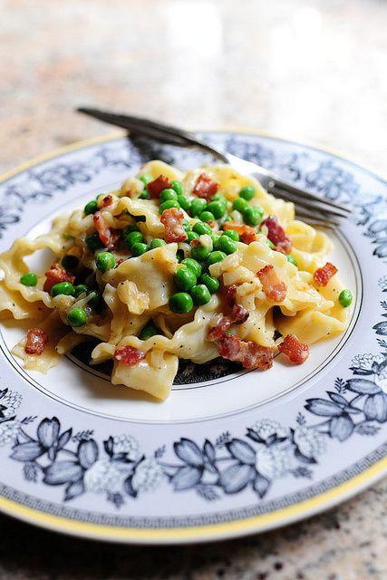 Pioneer Woman - Pasta Carbonara with peas