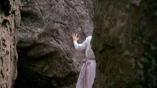 Picnic at Hanging Rock (1975, Peter Weir) / Cinematography by Russell Boyd