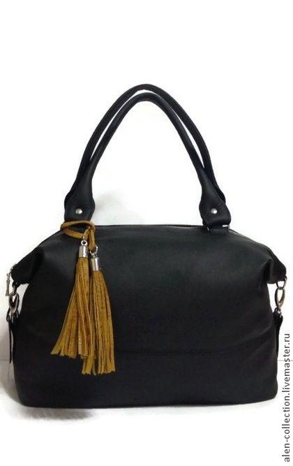 Сумка`MADAM`из натуральной кожи(Арт.S-8). Женская сумка из натуральной итальянской  кожи.Модная и стильная модель сумочки на каждый день!     Достаточно вместительная и удобная!Сумочку можно носить в двух положениях-в раскрытом состоянии и закрытом,когда верх…