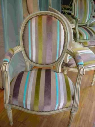 les 25 meilleures id es de la cat gorie meuble louis xv sur pinterest r nover fauteuil louis. Black Bedroom Furniture Sets. Home Design Ideas