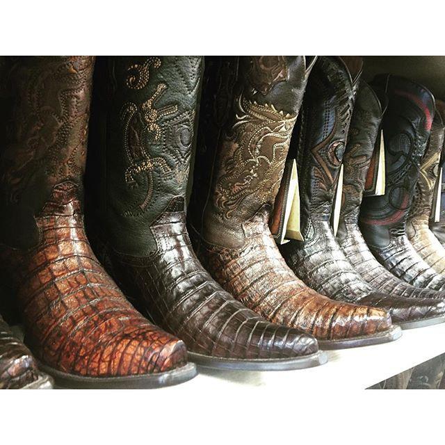 #mulpix Todo de cocodrilo 🐊  Buenas noches! #cuadra #botas #rodeo #fashion #boots #vaqueros #moda