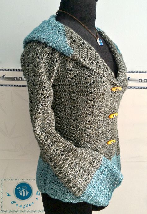 I have many requests about adding sleeves to the Women's Hooded Vest pattern. The sleeves part for this pattern is fairly easy, it's also a great option for Winter time. Click here to