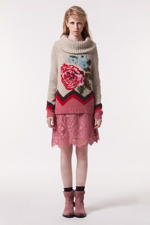 TWIN-SET Simona Barbieri :: AH13 :: Gilets - Pulls :: Pull-over Jacquard Motif Floral, Col Cagoule :: T3A3AW