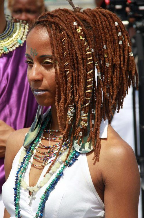 Her locs and loc colour are really nice. The jewelry suits her.