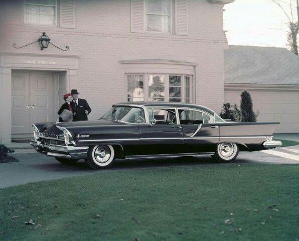 1957 Lincoln Premier 4-Door Sedan