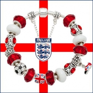 England Soccer World Cup pandora Bracelet  I SO need this for Brazil 2014!