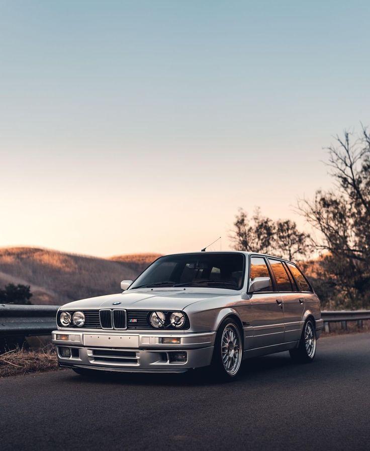 Die perfekte Zeit und Raum. Die erste Generation des BMW 3er Touring. #BMWRepost @ 4doorm4 @_crvn_ #BMW # 3Series #BMWClassic