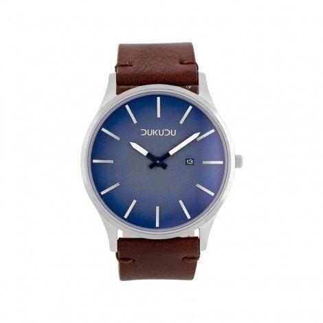 Koop dit DUKUDU Leonard Bruin/Blauw horloge DU-010 horloge online in onze webwinkel.                     Dit is een heren horloge met een quartz uurwerk.                             De kleur van de kast is zilver en de kleur van het uurwerk is blauw.                             De kast is gemaakt van rvs en de band van het horloge van leer.                             Het uurwerk is analoog en er wordt gebruik gemaakt van mineraalglas.                                       Wij ...