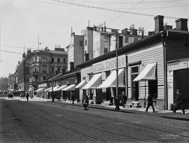 Aleksanterinkatu 7, 9, 11, 13, 15. Signe Brander. 1907 / Helsingin kaupunginmuseo / Finna.