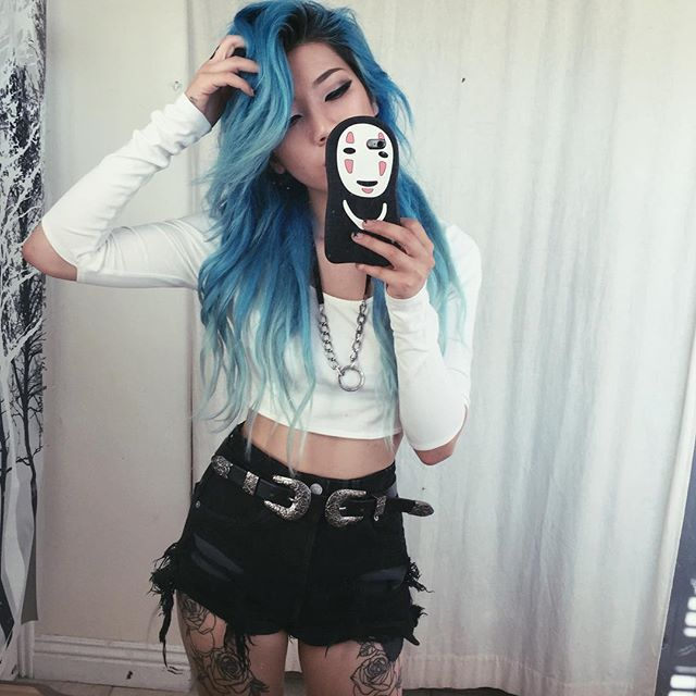 Love this blue ombre hair color~