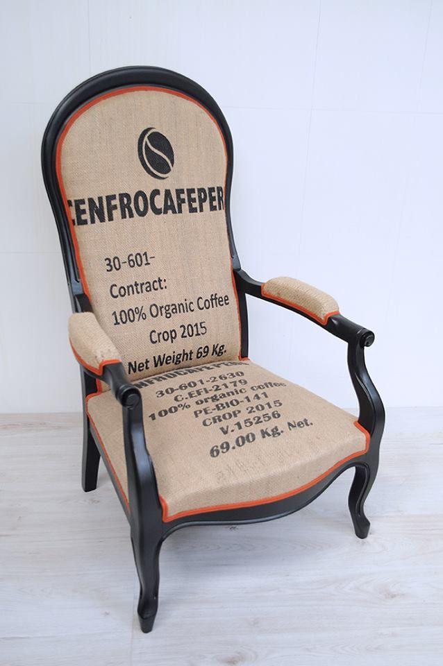 Voltaire en mode sac à café par ATELIER D'éco SOLIDAIRE