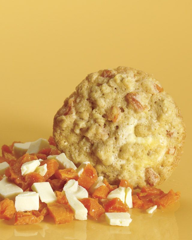 Oatmeal Cookies with Dried Apricots and White Chocolate