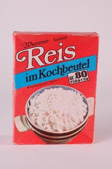 DDR Museum - Museum: Objektdatenbank - Reis im Kochbeutel    Copyright: DDR Museum, Berlin. Eine kommerzielle Nutzung des Bildes ist nicht erlaubt, but feel free to repin it!