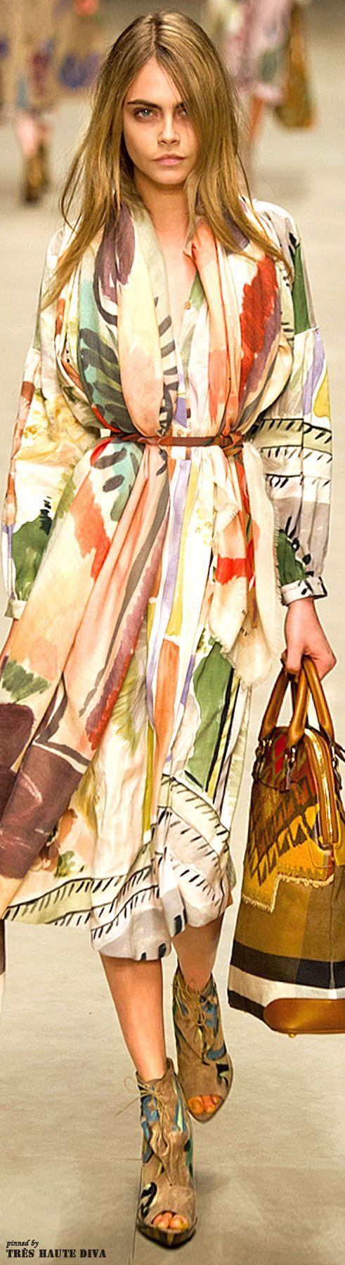 Burberry Prorsum F/W 2014 - London Fashion Week  Love the scarf look