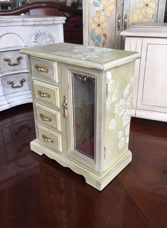 Upcycled Shabby Chic Jewelry Box // Vintage by ByeByBirdieDesigns