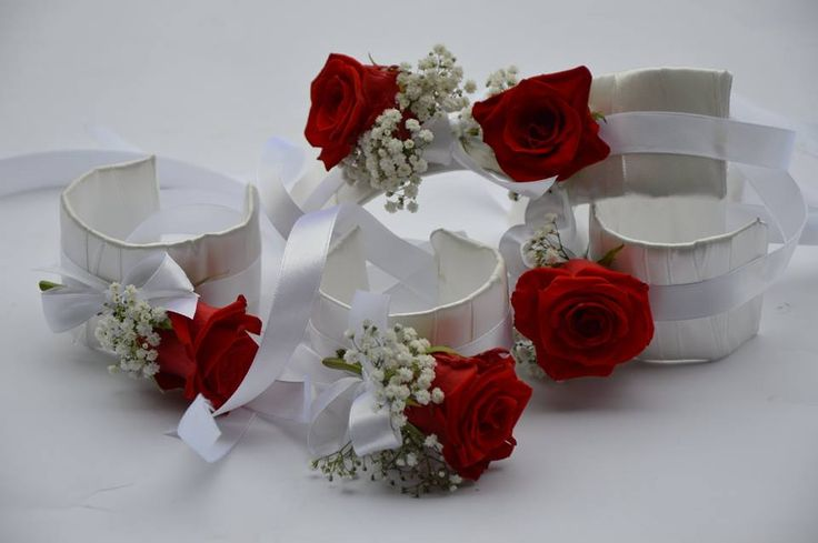 Bransoletki z żywymi kwiatami