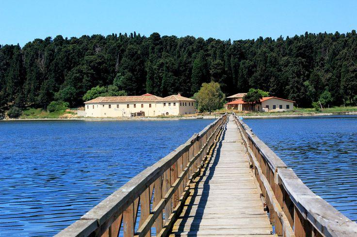 Monastère au bord du lagon de Narta