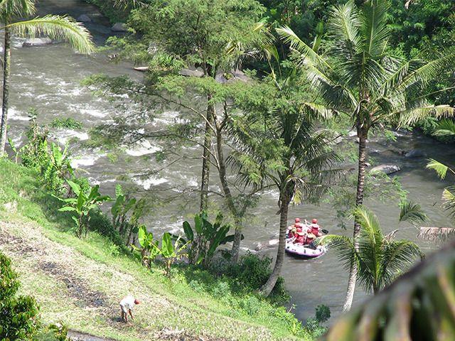 6/28(水)バリ島ウブドのお天気は晴れ。室内温度27.3℃、湿度68%。バリ島で休暇中のオバマ元大統領家族。先日はラフティングを楽しんだ模様。毎日オバマ情報が流れてきます(笑)