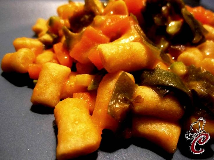 Gnocchi di lupini con dadolata di verdure e alga Wakame http://lacuocherellona.blogspot.com/2013/07/gnocchi-di-lupini-con-dadolata-di.html