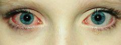 """Una vez me dije a sí misma""""Prefiero tener los ojos rojos por fumar marihuana que llorar por alguien que no vale la pena como tu""""   por mika barretto"""