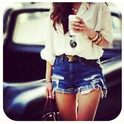 Louis Vuitton belt.: Louis Vuitton, Blouse, Style, Summer Outfits, Highwaist, Jeans Shorts, Denim Shorts, Belts, High Waist Shorts