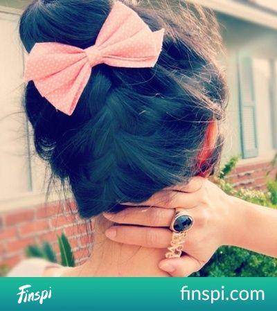 Cudowna fryzura i jeszcze ta urocza kokardka <3 #fryzura