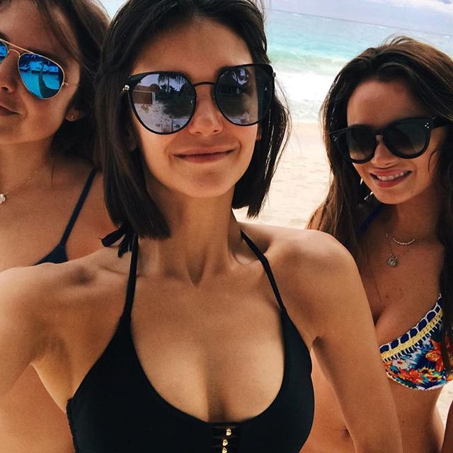 Friends that bikini together, stay together.
