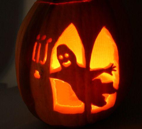 Anleitung zum Kürbis schnitzen ... und Schnitzvorlagen für den Kürbis ...  Diese und andere Anleitungen rund um Halloween gibt es bei Hallo-Eltern.de